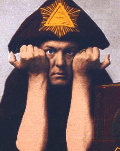 La Golden Dawn, una confraternita dove si praticava la magia Aleister_3